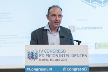 Carlos-Dominguez-ITH-1-Mesa-Redonda-4-Congreso-Edificios-Inteligentes-2018