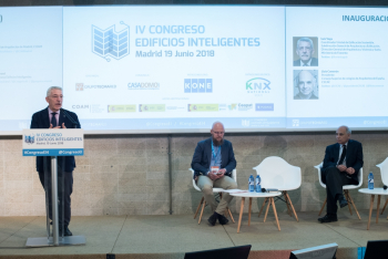 Luis-Vega-Ministerio-Fomento-3-Inauguracion-4-Congreso-Edificios-Inteligentes-2018