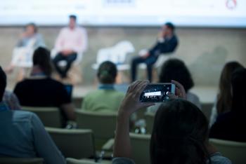 Publico-Auditorio-3-4-Congreso-Edificios-Inteligentes-2018