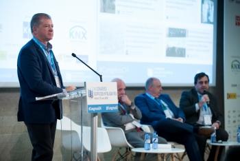 Adolfo-Borrero-Ametic-3-Ponencia-4-Congreso-Edificios-Inteligentes-2018