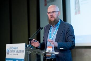 Stefan-Junestrand-Grupo-Tecma-Red-2-Mesa-Redonda-4-Congreso-Edificios-Inteligentes-2018
