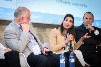 Carmen-Martin-Intelequia-Mesa-Redonda-2-5-Congreso-Edificios-Inteligentes-2019