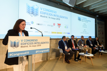 Cecilia-Salamanca-AFEC-1-Modera-Ponencia-5-Congreso-Edificios-Inteligentes-2019