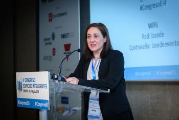 Cecilia-Salamanca-AFEC-2-Modera-Ponencia-5-Congreso-Edificios-Inteligentes-2019