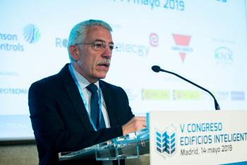Luis-Vega-Ministerio-Fomento-Inauguracion-1-5-Congreso-Edificios-Inteligentes-2019
