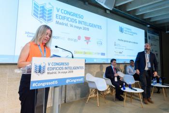 Paloma-Velasco-Aes-Moderadora-Bloque-Ponencias-1-5-Congreso-Edificios-Inteligentes-2019