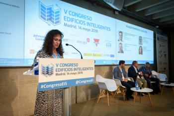 Rosa-Regatos-Ceapat-Moderadora-Bloque-Ponencias-4-5-Congreso-Edificios-Inteligentes-2019
