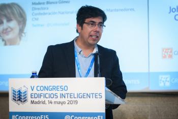 Sergio-Rojas-Cedia-Moderador-Mesa-Redonda-1-5-Congreso-Edificios-Inteligentes-2019