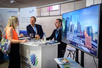 Stands-3-Comida-Networking-5-Congreso-Edificios-Inteligentes-2019