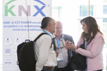 Stands-7-Comida-Networking-5-Congreso-Edificios-Inteligentes-2019
