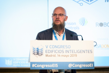 Stefan-Junestrand-Grupo-Tecma-Red-Clausura-1-5-Congreso-Edificios-Inteligentes-2019