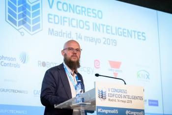 Stefan-Junestrand-Grupo-Tecma-Red-Clausura-2-5-Congreso-Edificios-Inteligentes-2019