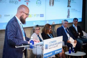 Stefan-Junestrand-Moderador-Mesa Redonda-2-5-Congreso-Edificios-Inteligentes-2019