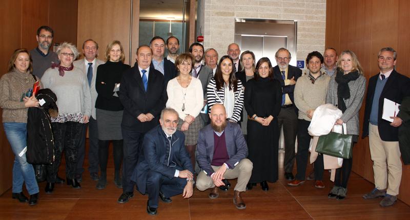 Foto de familia de la primera reunión del Comité Técnico del IV Congreso Edificios Inteligentes