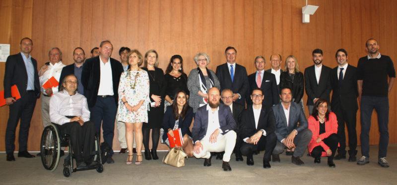 Foto de familia segunda reunión del Comité Técnico del IV Congreso Edificios Inteligentes
