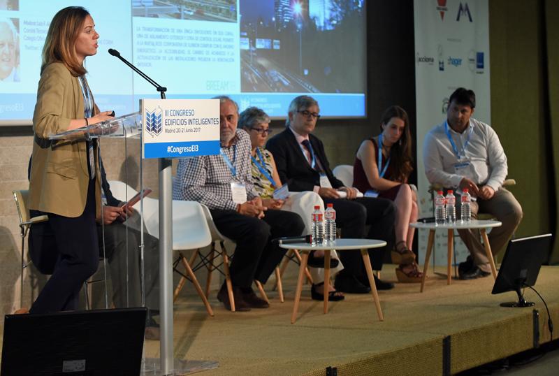 Ponente de Comunicación en el IIl Congreso Edificios Inteligentes 2017